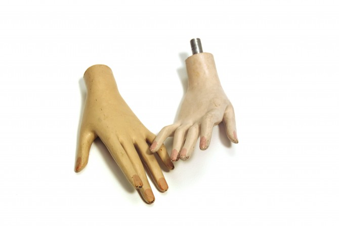 mannequin-hands-by-opalic-670x447
